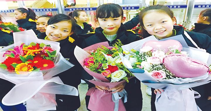 临汾小将啦啦操国际公开赛获佳绩
