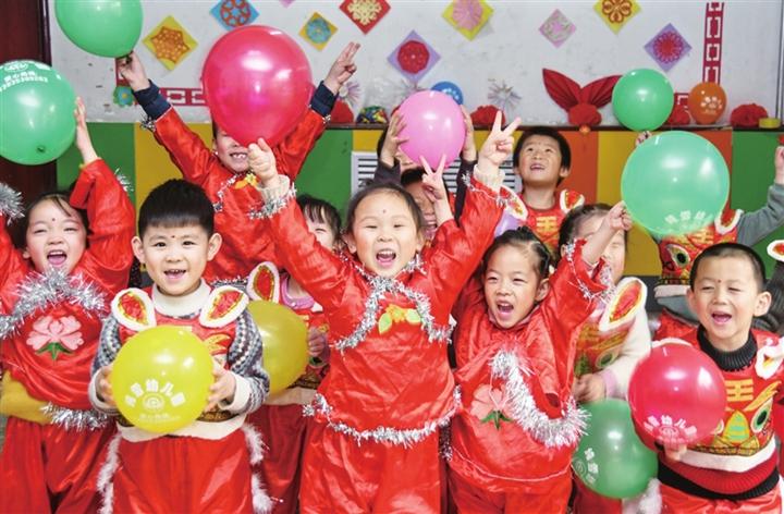 临汾纯雪幼儿园:欢歌笑语中庆祝新年到来