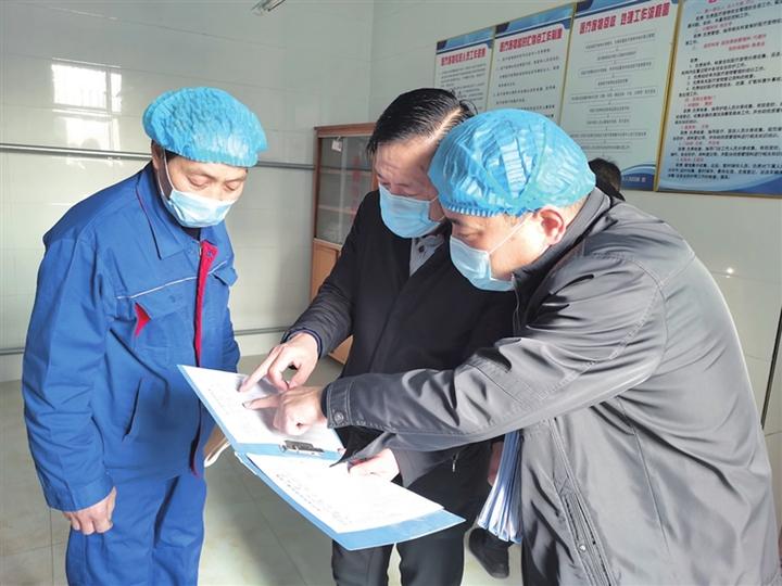 """临汾市生态环境局""""党员突击队""""赴医疗机构检查纪实"""