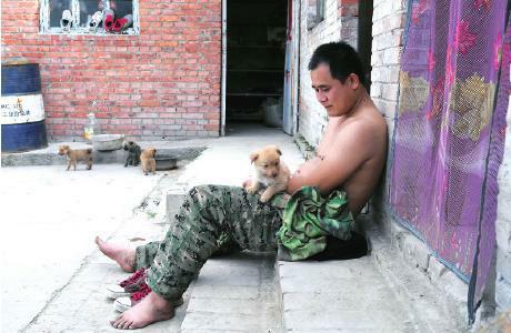 小狗成了孙涛生活中的伙伴
