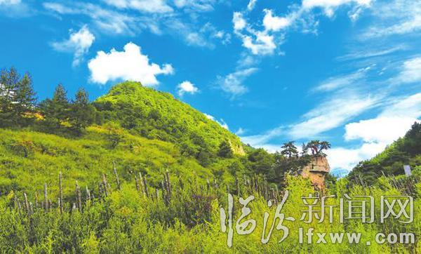 七里峪风景区位于中镇霍山的北部腹地,是太岳山国家森林公园的